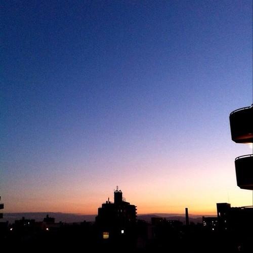 おはよ! 今朝の大阪、快晴です。v( ̄Д ̄)v イエイ