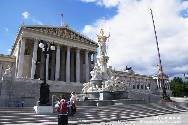 奧地利國會建築,好似雅典神廟啊。
