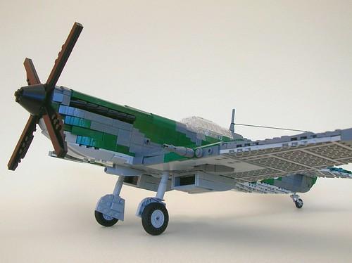 Lego Spitfire Mk IX (landing gear 3)
