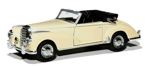 Welly Mercedes 300 (1)
