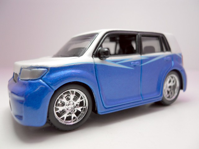 maisto custom shop fifty 5's Scion xB (2)