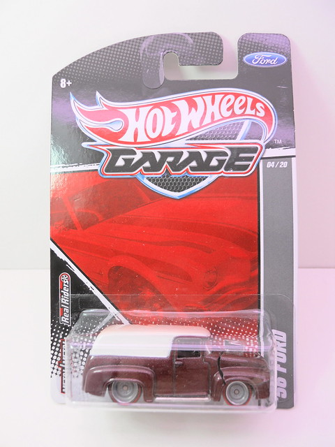 hot wheels garage '56 ford (1)
