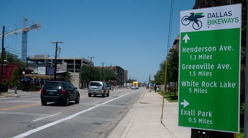 Dallas Bikeways sign