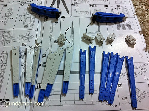 Building MC RX-93-2 Hi Nu Gundoom Gundam (20)