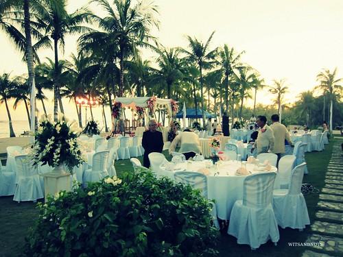 Benjamin  Abalos in a wedding reception in Bohol Beach Club