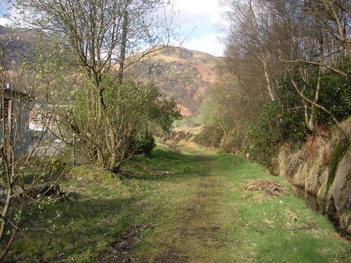 Làrach Rathad-iarainn Cheann Loch Lìobhann