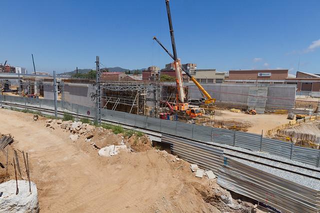Avance de los muros en zona Triangle Ferroviari - Norte - 27-06-11
