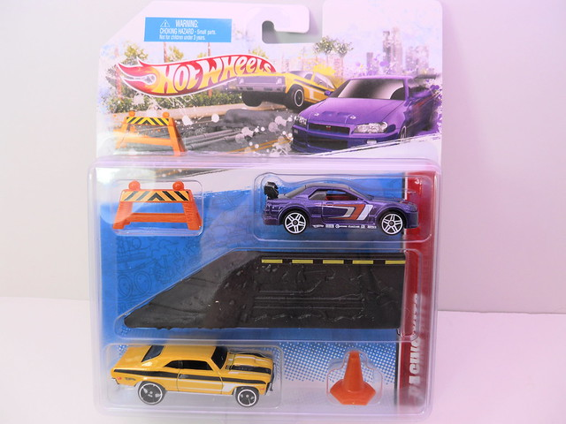 hot wheels 2 cars race scene (1)