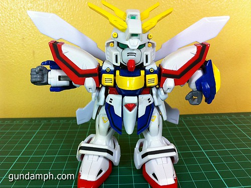 SD Archive God Gundam (17) Out Of Box Review