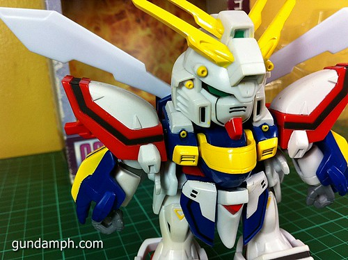 SD Archive God Gundam (13) Out Of Box Review