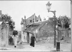 Armoedige buurt in Parijs, rond 1900 / Poor ne...