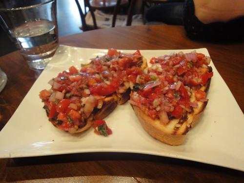 Funky Deli Cafe: Tomato bruschetta