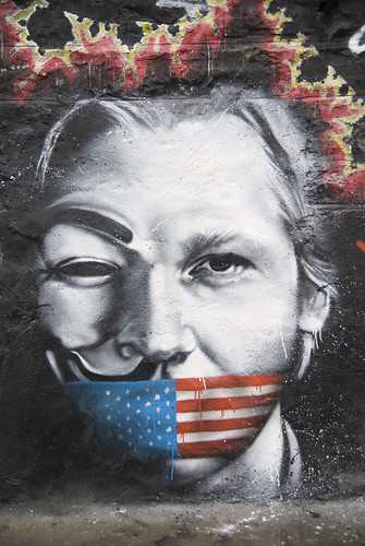 Julian Assange « homme de l'année » pour Le Monde / Julian Assange named Man of the Year by Le Monde
