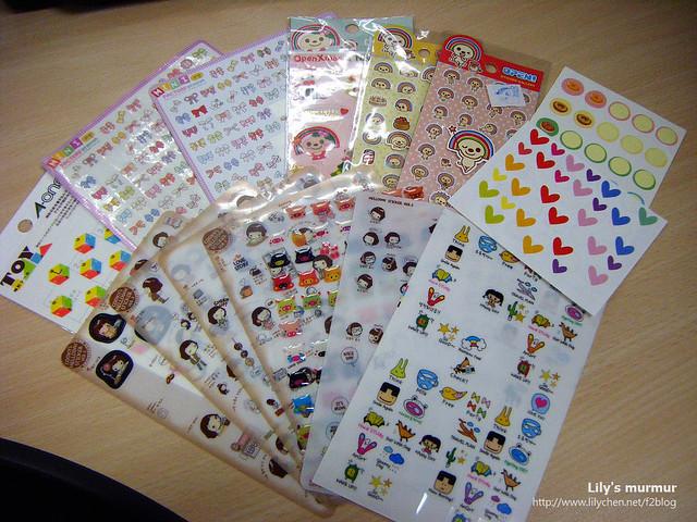 這些就是我用在手帳上面的貼紙,有的也被我拿來貼在寄出的PostCrossing明信片上。