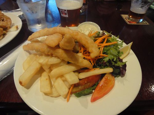 Erskineville Hotel: Beer battered flathead fillets w/ salad & chips