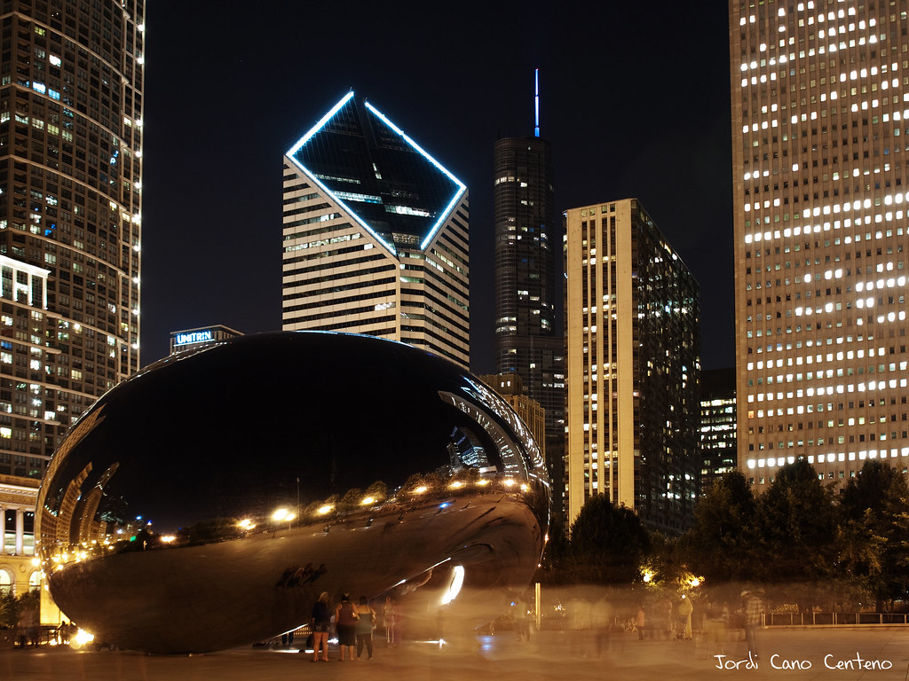The Bean, Millenium Park, Chicago. Nocturna 01