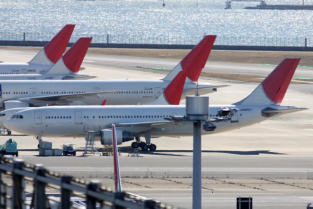 Former JAL A300-600R(JA8657)