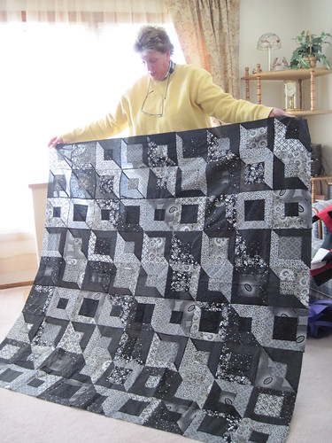 Pat's black & white quilt