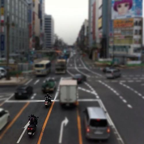 (^o^)ノ < おはよー! 今朝は、単車の二人にフォーカス! 君たちが主役だ! #Osaka #Abeno #bike
