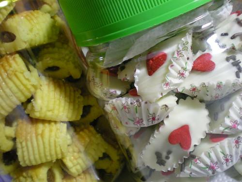CNY 2011 - pineapple tarts & cookies