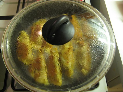 Steam-frying gyoza