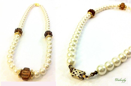 Necklace Sarah Coventry White Faux Pearls & Brown Stones 1960s Coventry