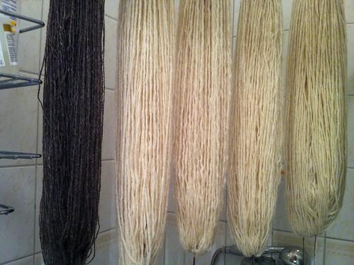 washing yarn