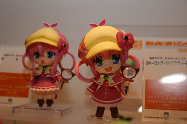 Nendoroid Sharo - Original (left) vs Anime version (right)