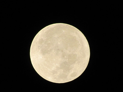 Supermoon - Full optical zoom