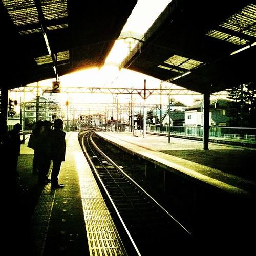 なんかカッコ良くない? さぁ、帰ろ! 今週もお疲れ様でした。ヾ(๑╹◡╹)ノ #Tenri #evening