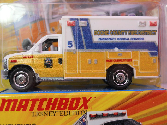matchbox lesney ford e-350 ambulance (2)