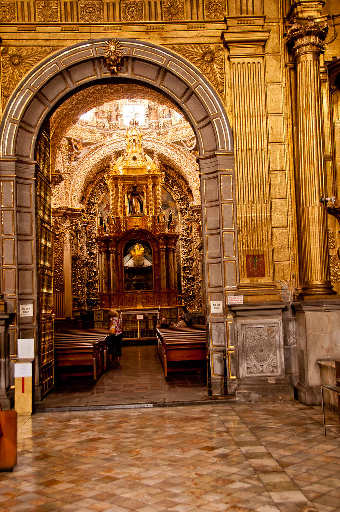 The entrance to the Capilla del Rosario, Santo Domingo, Puebla