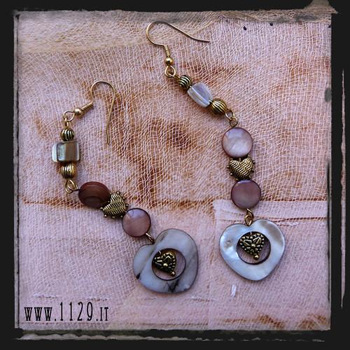 MFROBE orecchini beige cuore mop heart handmade earrings 1129design