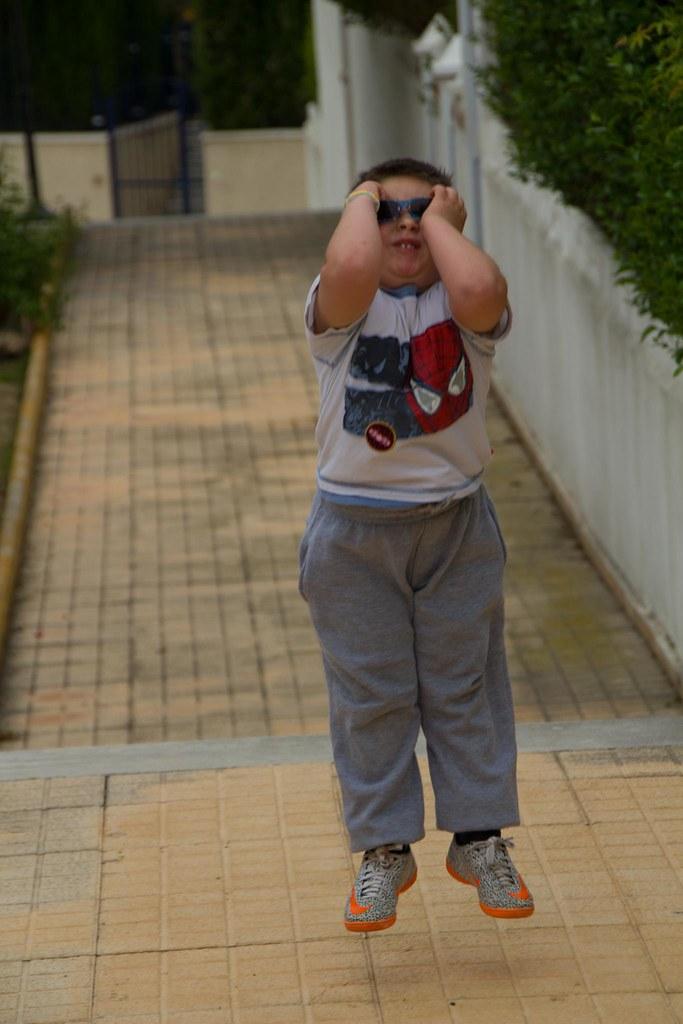 Sergio levitando...