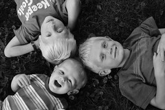 Grass 3Boys2BW