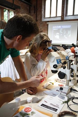Matt from UWE on the microscopes