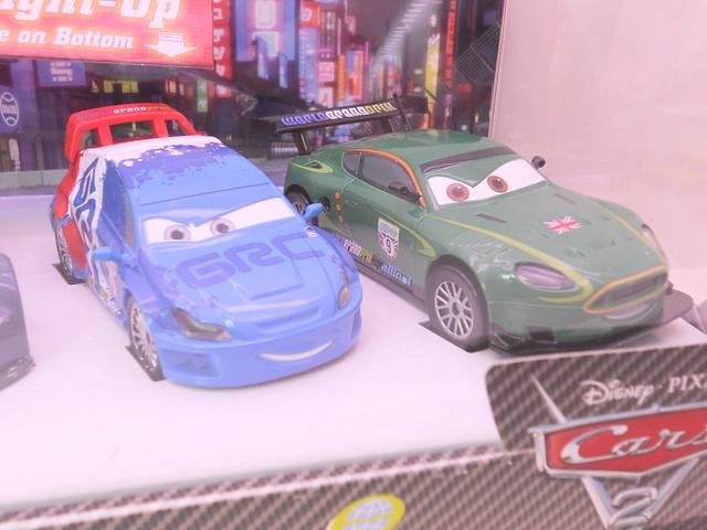 dinsey cars 2 disney store light up racers lightning max raoul nigel (3)