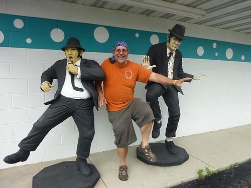 IL - Route 66 final leg 013 - Braidwood Blues Bros Dave