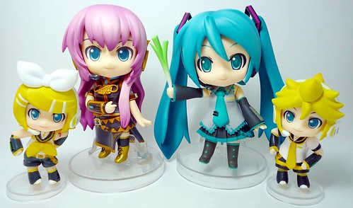 Nendonesia's 1st Anniversary greeting by Vocaloid Nendoroid ^^