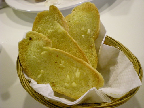 Garden's garlic bread