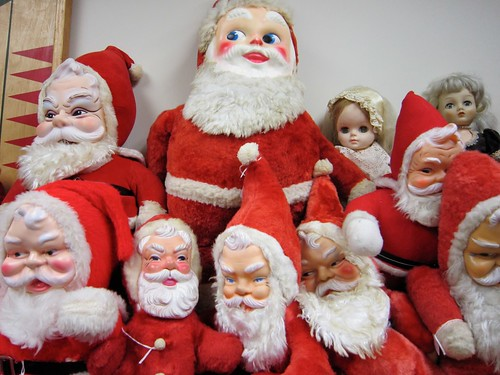 Buncha Santa Claus ez