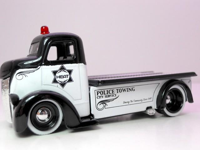 jada toys heat olice '47 ford coe (2)