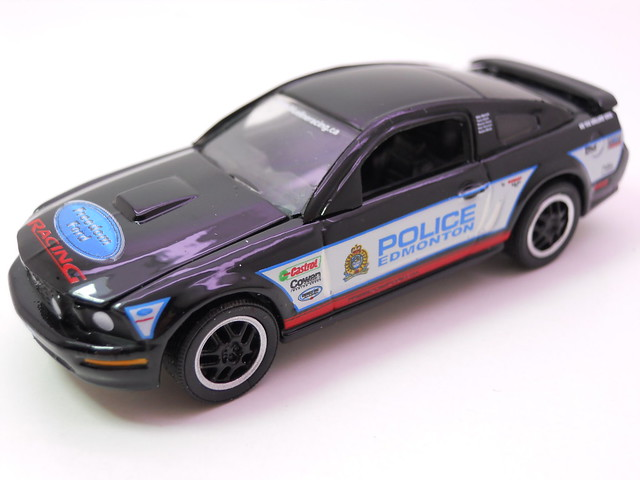 greenlight hot pursuit 2008 edmonton,alberta police service 2008 ford mustang gt (3)