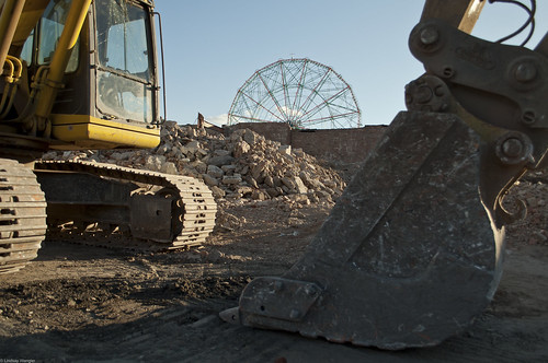 After the Demolition of the Bank Building, Coney Island. December 9, 2010. Photo © Lindsay Wengler/Single Linds Reflex via flickr