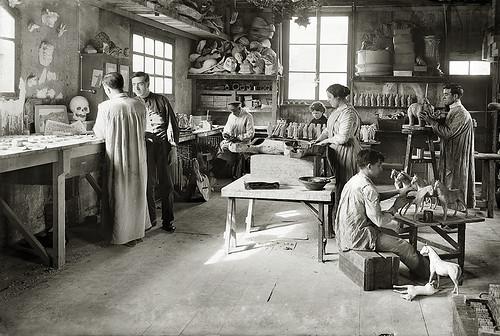 Fábrica de juguetes. Taller de pintura. Barcelona, c.1914