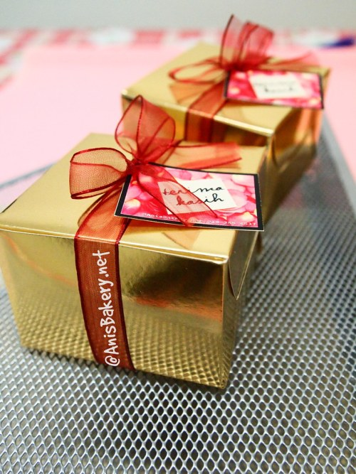Tempahan Door Gift | bahulu cermai | eksklusif box | @ANisBAkery.net