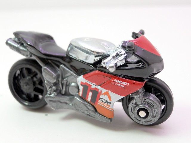 hot wheels ducati 1098R black (2)