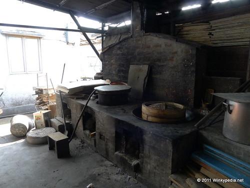 traditional Chinese log burning stove