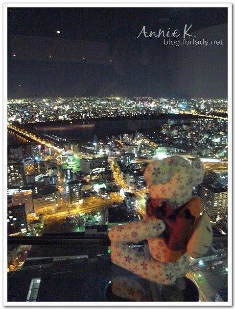 新梅田城 室內夜景