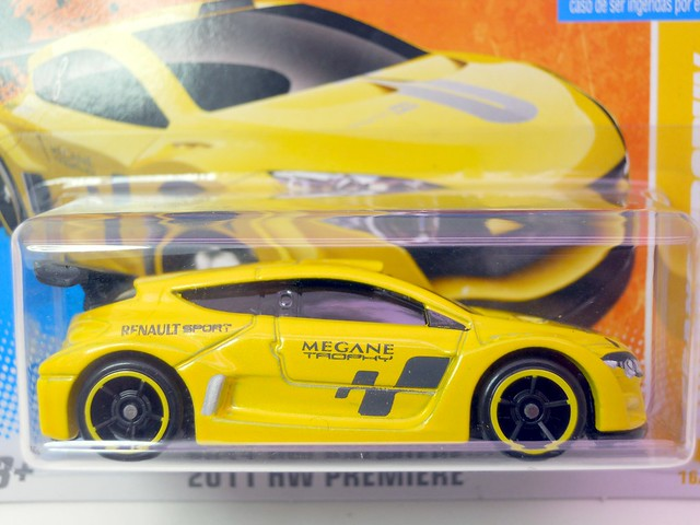 hot wheels megane trophy (3)